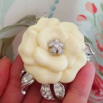 """P-1720. Элегантная брошь """"Camellia"""" от американского дизайнера NOLAN MILLER. Ювелирный сплав с серебром и родием, декор кристаллами Сваровски. Обьемная форма, смотрится очень красиво и утонченно. Диаметр 6см."""