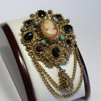 P-1715. Винтажная коллекционная брошь с натуральной камеей от известного американского бренда FLORENZA.Повтор под заказ!