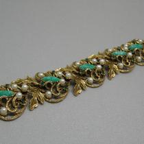 P-1636. Винтажный широкий браслет от марки ART. 60е года, прекрасная сохранность, маркировка. Ювелирный сплав оттенка анточного золота, кабошомы, кристаллы, жемчужная эмаль. Редкое и красивое украшение.
