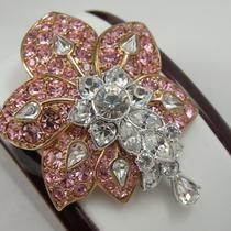 """P-1692.  Дизайнерская американская брошь """"Утренний цветок"""" от дизайнера NOLAN MILLER. Ювелирный сплав с родием, камни Сваровски, подвижные капли-кристаллы. Размер 6х5см."""