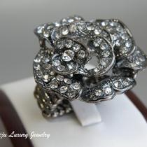 502. Современное кольцо декорированное камнями Сваровски. Стретчевая основа, флекс размер 15-19. Диаметр 3.5см. Цена 10$