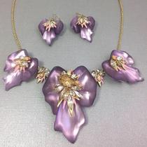 P-1762.  олье и серьги из новой весенней коллекции ALEXIS BITTAR. Утонченные цветы перламутрово-белых орхидей завораживают своим совершенством. Ручная работа, декор натуральными камнями, позолота 24К.