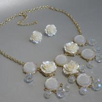 """220. Комплект """"White Roses"""". Ювелирный сплав под золото, декор кристаллами Сваровски, кристаллами с эффектом северное сияние. Очень нежный и красивый комплект. Цена -15$"""