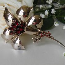 P-1725. Уникальная антикварная брошь 1943 года от компании JOLLE. Украшение из стерлингового серебра наивысшей пробы, цветок крупный 10м, декор хрустальными камнями. Прекрасная сохранность, маркировано.