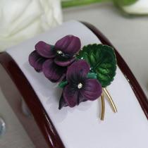 """Винтажная брошь """" Фиалки"""" от WEST GERMANY. Редкое, коллекционное украшение для любительницы весенних цветов. Объемная форма, размер-6.5х4.5 см"""