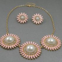 """231. Дизайнерский комплект """"Pink daisy"""". Ювелирный сплав под золото, кристаллы Сваровски. Цена-15$"""