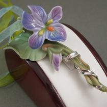"""29. Эксклюзивная брошь-кулон от всемирно известной компании """"FRANZ"""". Полностью ручная работа, фарфор, потрясающий дизайн, эффект живого цветка. Длина-8см, Подарочная упаковка и шелковые ленты для кулона прилагаются. Цена 100$"""