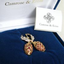 Брошь Жаклин Кеннеди! Точная сертифицированная копия от компании CAMROSE&KROSS, фирменная коробка, сертификаты, позолота 24К, камни Сваровски, маркировка.