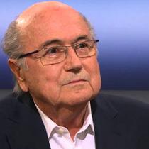 FIFA-Präsident Sepp Blatter tritt nach seiner Wiederwahl zurück.