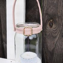 schraubglas-laterne mit henkel aus einem alten gürtel...