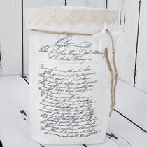 windlicht aus einer bedruckten & verzierten butterbrot-tüte... im inneren befindet sich ein glas mit teelicht...