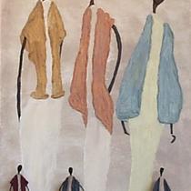 Drahtfiguren von Ursula Rickert-Rieb vor einem Gemälde von Christa Kleinschmidt