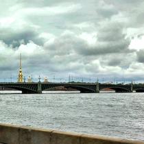 St. Petersburg | Stadtrundgang | «Brücken-Stimmung» | Peter-und-Paul-Kathedrale im Hintergrund
