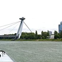 Bratislava | Blick auf die «Brücke des Slowakischen Nationalaufstandes».