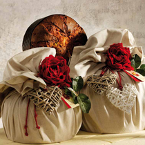 """PANETTONE CLASSICO (3kg) with """"VIRNA"""" TABLECLOTH 150X150cm"""