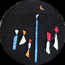 Accesi verso la luna. 2019, Vetri tagliati e dipinti in tecnica mista su cartone. diametro 19 cm