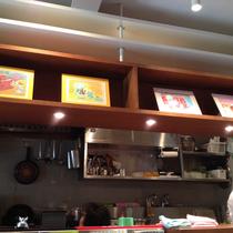 カフェにちなんで「コーヒー」がテーマの作品が並びます。