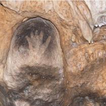 grottes de gargas célèbre mondialement pour ses mains peintes en négatif!
