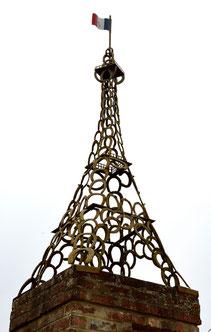 La tour Eiffel de la ferme de Bronfay