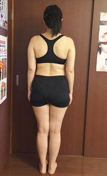 DNAパーソナル痩身を体験される40代女性