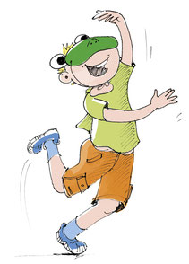 Ein Junge hüpft lustig herum. Er trägt eine Froschmaske.