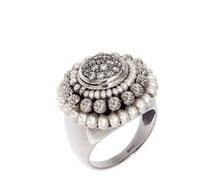 anello oro bianco perle e diamanti