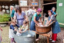 20.09.2014 Waschtag im Weißbarth-Haus