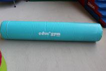 un cylindre 30 cm diam  et aussi un trampoline et 2 caissons
