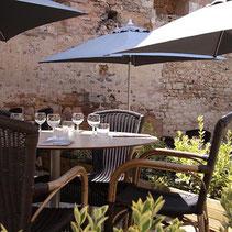 Restaurant Vézelay avec terrasse et vue sur Vézelay