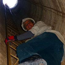 Jaenet Steigt aus dem Schacht.