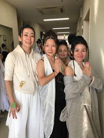 分身チーム関東3女神のはずが、後ろになおみん背後霊