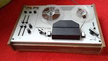Tonbandgerät der 1970er Jahre B100 von Tesla