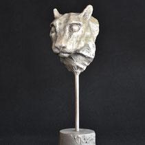 White Cat | Bronze | Alexandra Kapogianni-Beth | www.bildhauerwerke.de