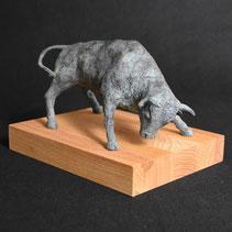 Taurus I | bronze | Alexandra Kapogianni-Beth | www.bildhauerwerke-ak.de