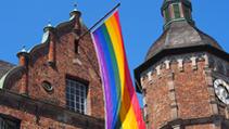 Bild: Regenbogenfahne am Rathaus