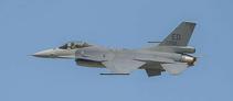 """Vola il nuovo F-16V """"Viper"""" con il radar AESA."""