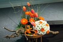 Blumendekoration für Veranstaltung Bühnengesteck