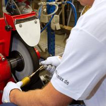 Schleif- und Polierarbeiten bei der OFB Oberflächenbearbeitung Kimax GmbH