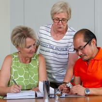Geschäftsleitung von OFB Oberflächenbearbeitung Kimax GmbH: Gerlinde Kirschner, Steffi Mannigel und Xoung Nguyen