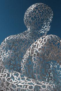 Bild Figur aus Buchstaben