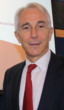 IATA helmsman Tony Tyler  -  photo hs