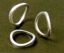 アルミプレスによる複雑形状の成形品