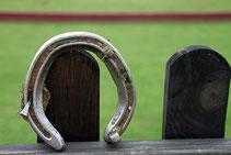 Huf-Eisen für Renn-Pferde