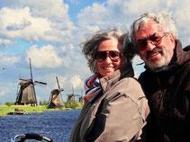 vor den 19 Windmühlen in Kinderdijk