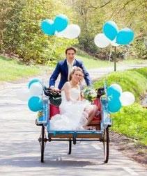 Fotoreportage huwelijk bruiloft becak riksja entree betaalbaar goedkoop origineel
