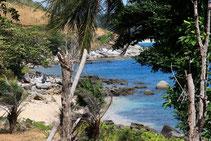 Genießen Sie die versteckten Strände auf Ihrer privaten Phuket-Reise.