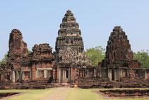 Erleben Sie auf einer Ostthailand Rundreise Phimai und seine Tempelanlagen.