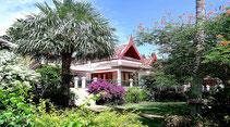 Auf Koh Samui in einer Strandvilla luxuriösen Urlaub genießen.