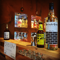 Schnaps Idee / Brick Gin & Aqua Monaco Tonic Water
