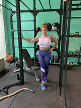 gym chicaLEGGING SIZES XL